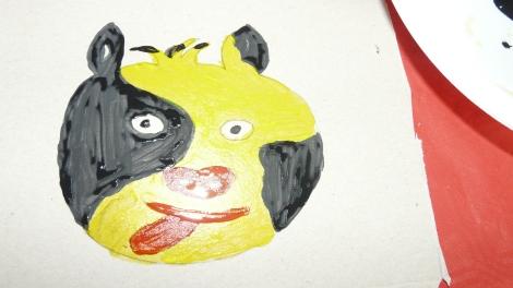 Couleur au choix, pour ma petite vache j'ai choisi noir et jaune pour changer du blanc :-)